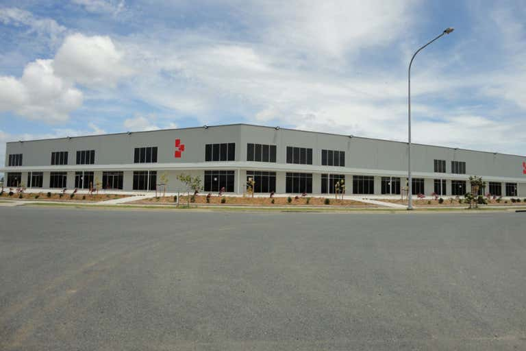 Units 1 to 4, 181-195 Maggiolo Drive, Mackay Paget QLD 4740 - Image 1