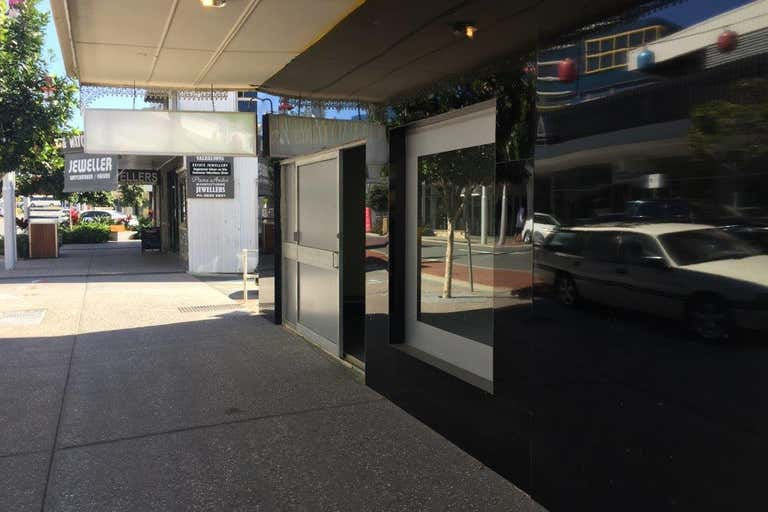 5A Young Street Southport QLD 4215 - Image 4