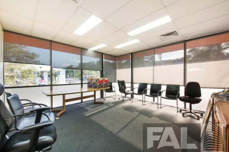 Unit  4, 113 Breakfast Creek Road Newstead QLD 4006 - Image 3