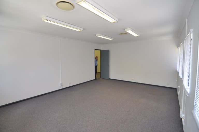 4/5 Woolcock Street Hyde Park QLD 4812 - Image 4