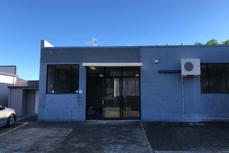 1/63 West Burleigh Road Burleigh Heads QLD 4220 - Image 2