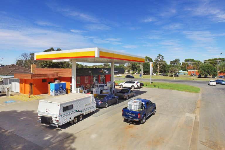 16-20 Murray Street Finley NSW 2713 - Image 2