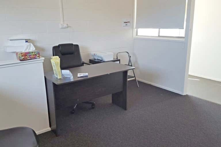 2 & 3/52 Egerton Street Emerald QLD 4720 - Image 2