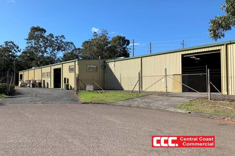 1B/2 Journeyman Close Berkeley Vale NSW 2261 - Image 2