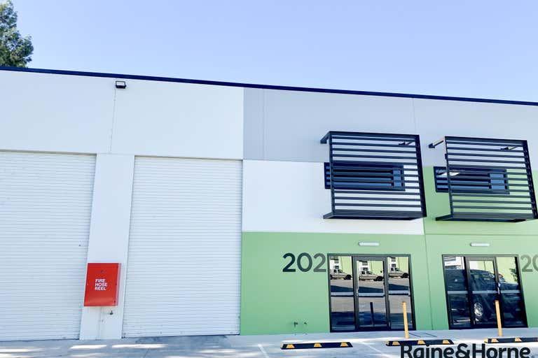 202/12 Pioneer Ave Tuggerah NSW 2259 - Image 2