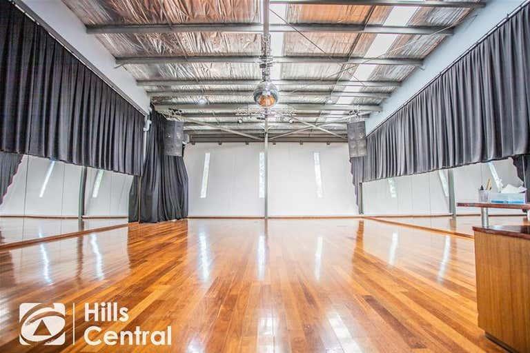 6/3 salisbury Road Castle Hill NSW 2154 - Image 2