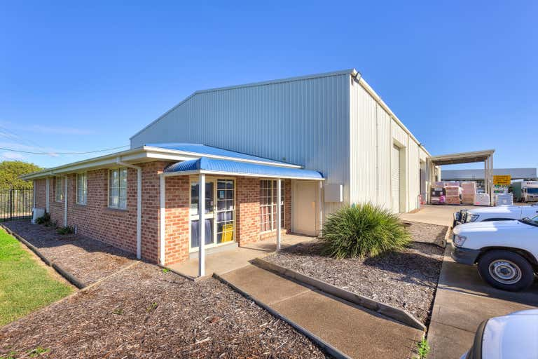 78 Racecourse Road Rutherford NSW 2320 - Image 2