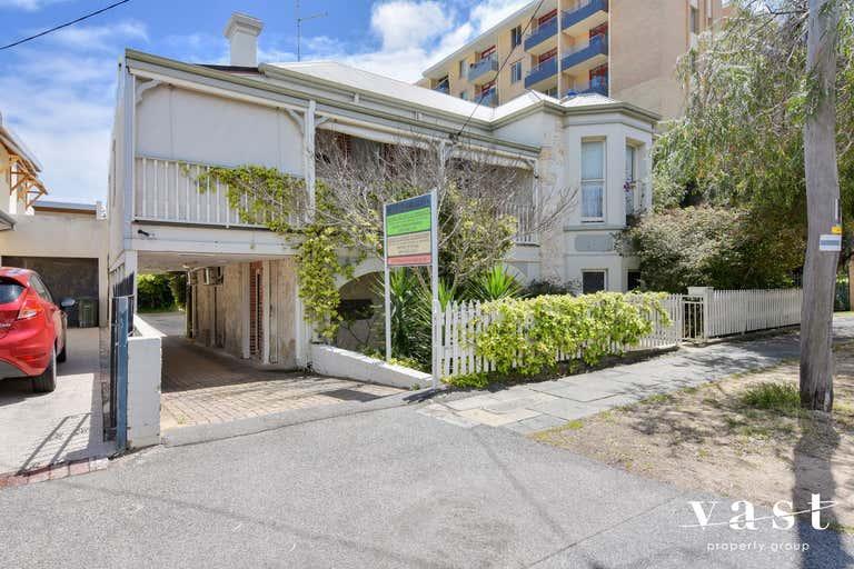 1/32 Arundel Street Fremantle WA 6160 - Image 2