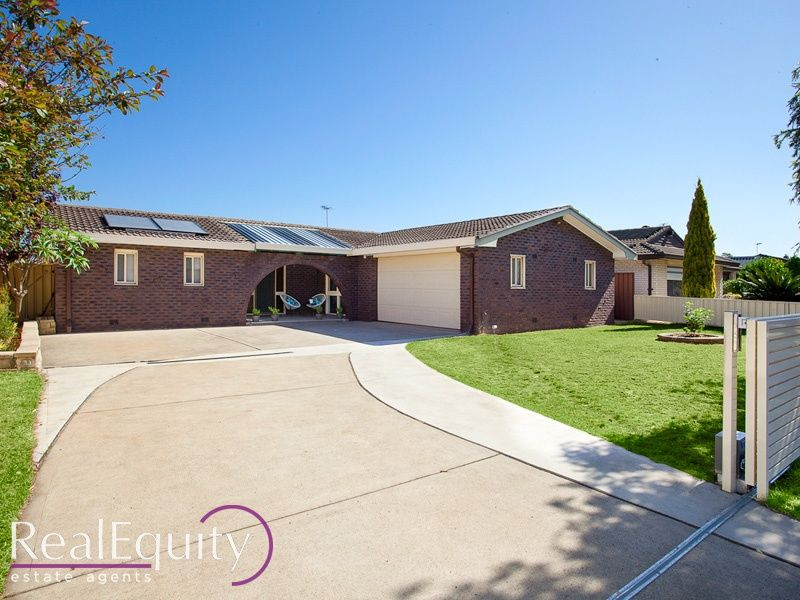 82 childs road chipping norton nsw 2170 house for sale for Kitchens chipping norton