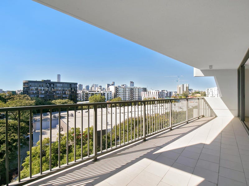 154/8 Musgrave Street, West End