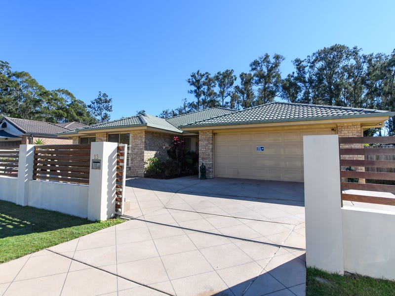 13 Waverley Park Cl, Oxenford