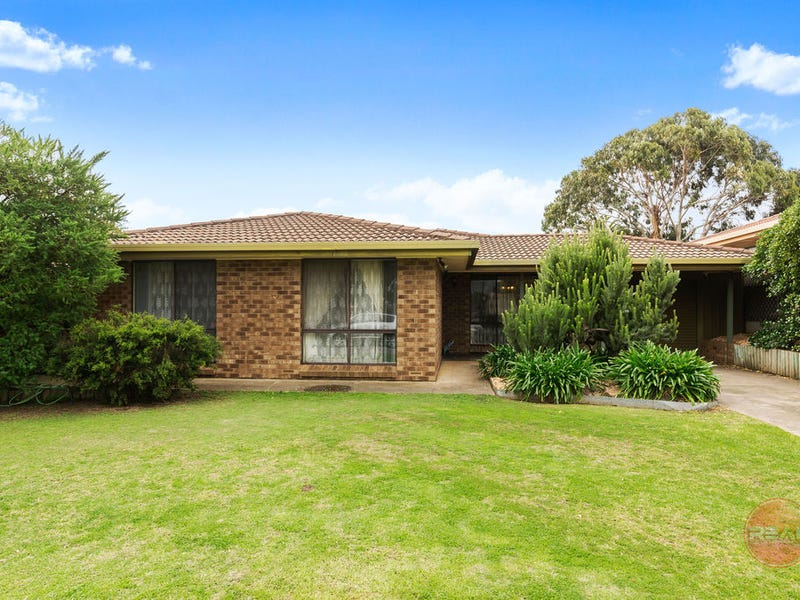 9 Perth Place, Christie Downs