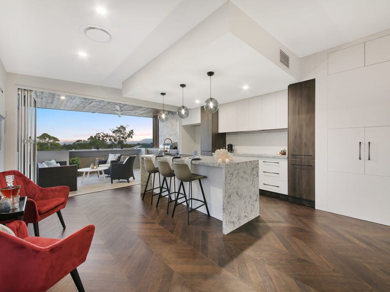 2/15 Deauville Drive, Southport, Qld 4215