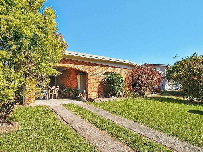 30 Maxwell Street, Norman Gardens, Qld 4701