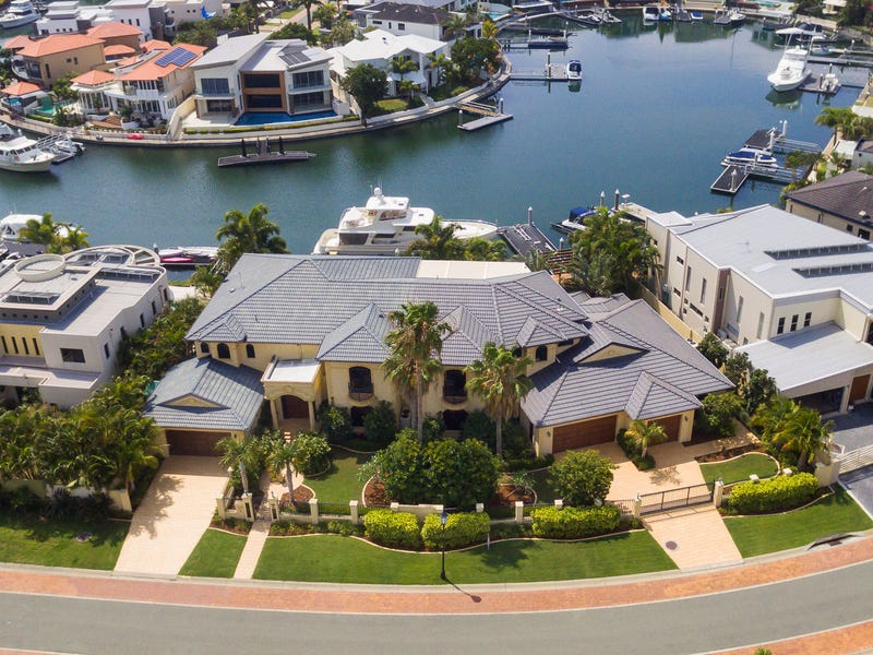 35-37 King Charles Drive, Sovereign Islands