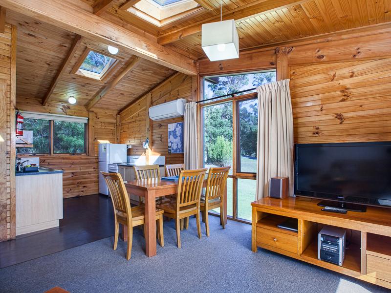 U17 Stewarts Bay Lodge, 6955 Arthur Highway, Port Arthur