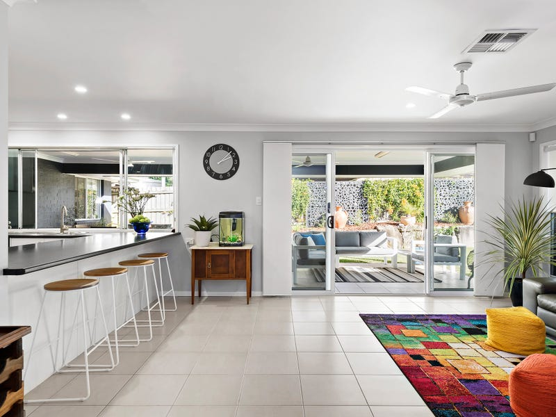 8 Confluence Court, Eatons Hill
