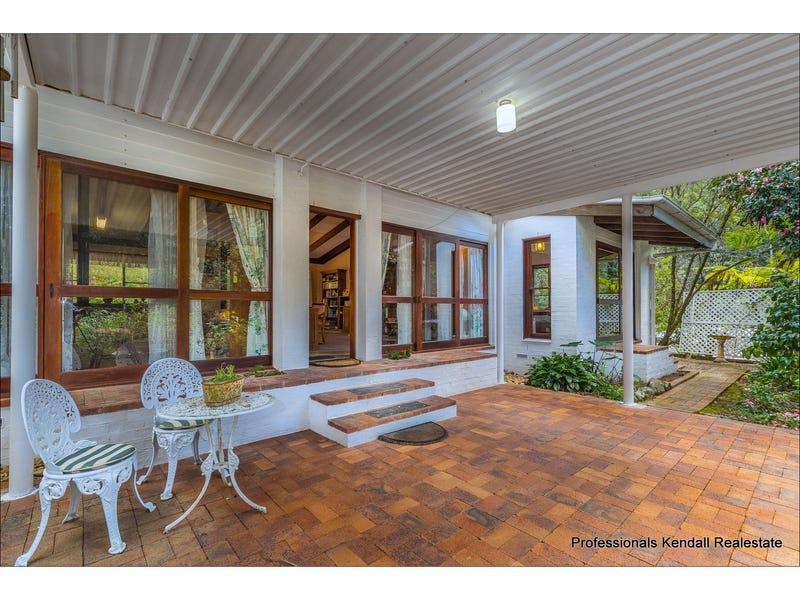 84 Kinabalu Drive, Tamborine Mountain