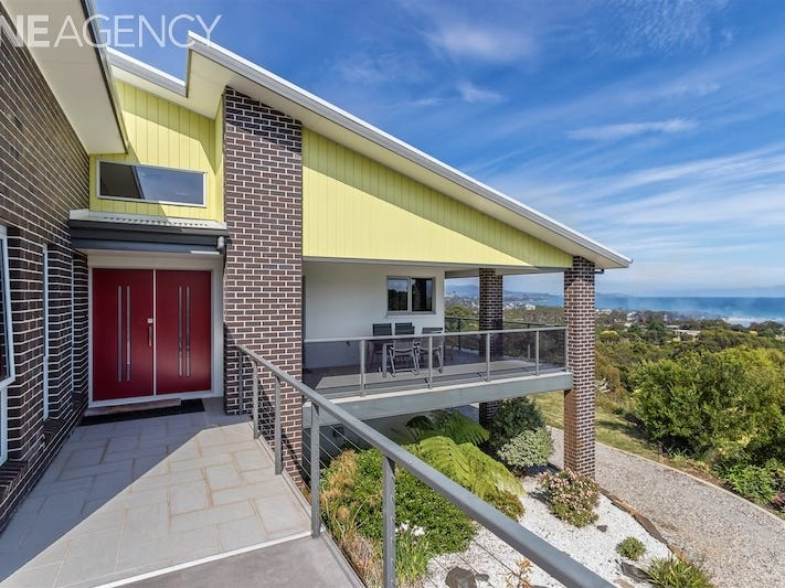 12 Braddons Lookout Road, Leith