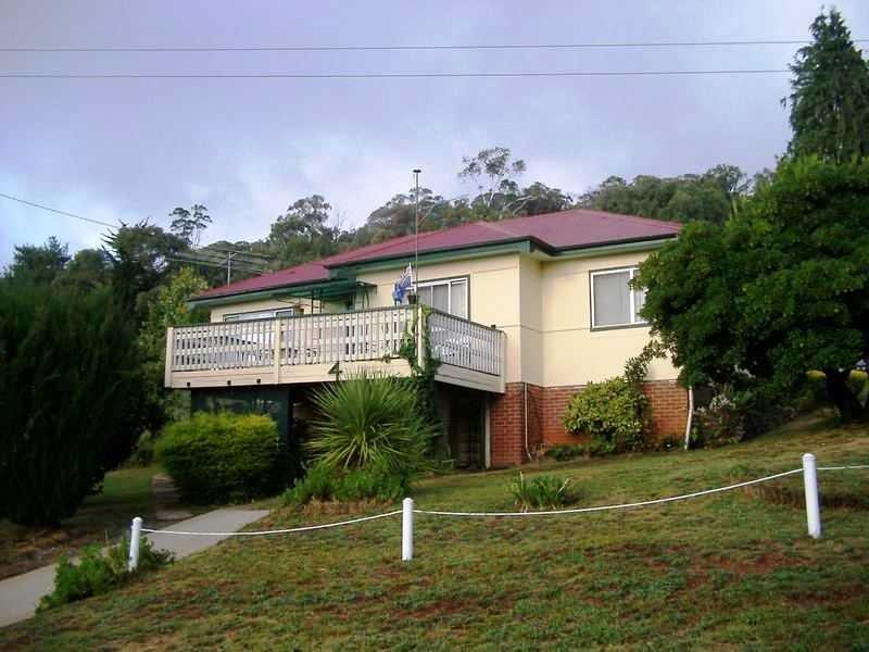 4 Mayday Road, Batlow, NSW 2730