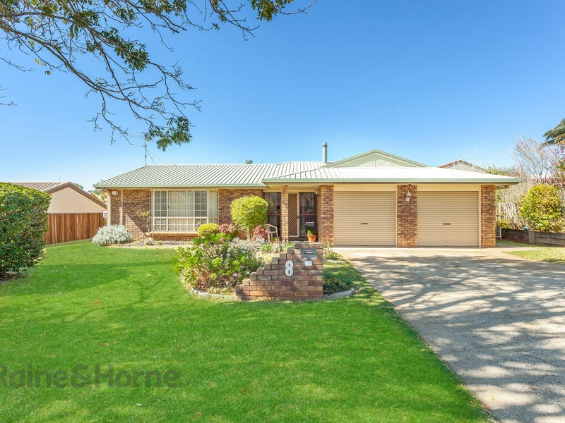 8 Millicent Court, Centenary Heights