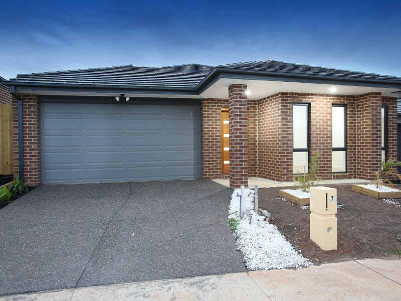 7 Barrier Parade, Clyde North