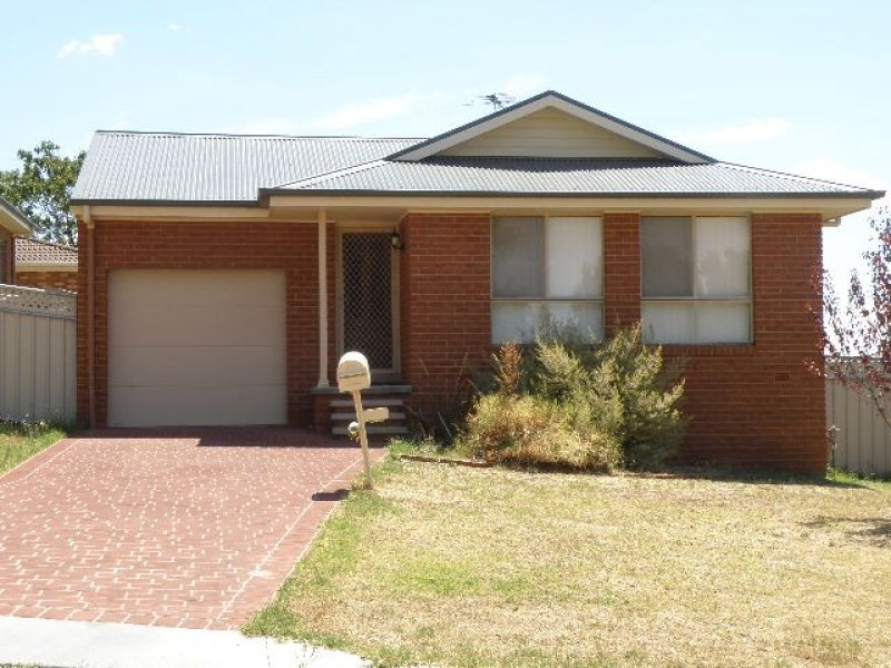 113 Binalong Street, Young, NSW 2594