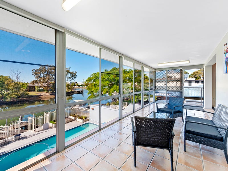 2/5 Perry Place, Biggera Waters