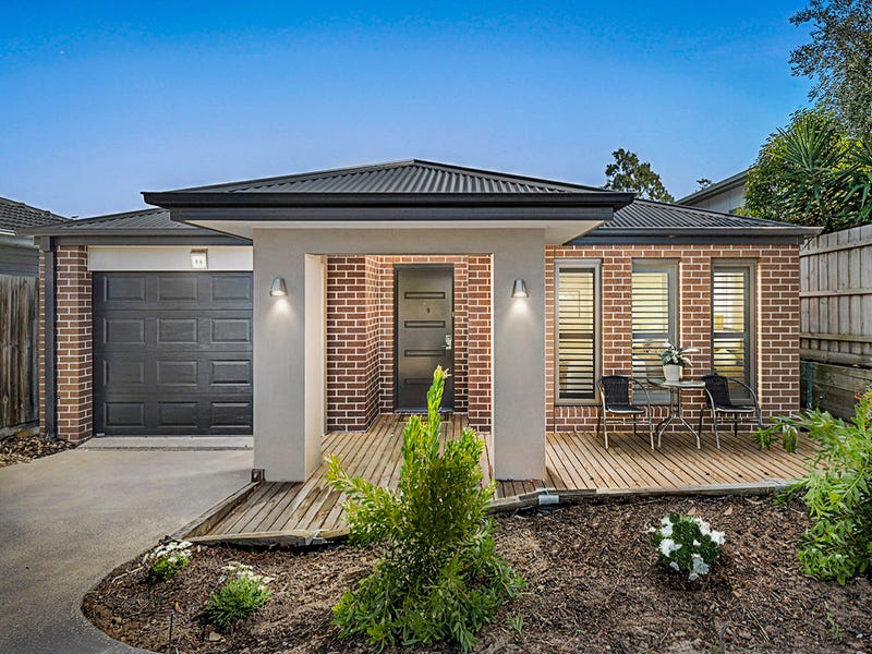 90 Third Avenue, Rosebud, Vic 3939