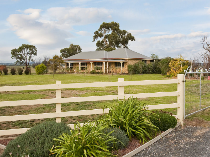 Drouin, VIC 3818 Sold Acreage Prices & Auction Results Pg  5