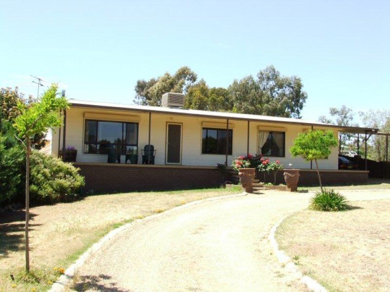 97 Iverach Street, Coolamon, NSW 2701