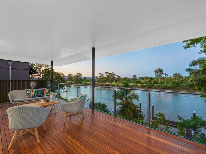 109 King Arthur Terrace, Tennyson