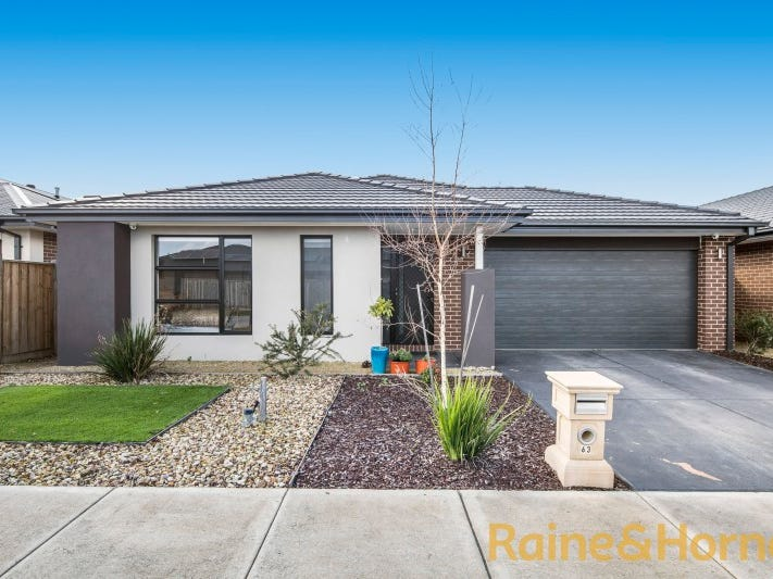 63 GYRFALCON WAY, Doreen