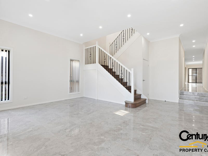 26 Feathertop Ave, Minto
