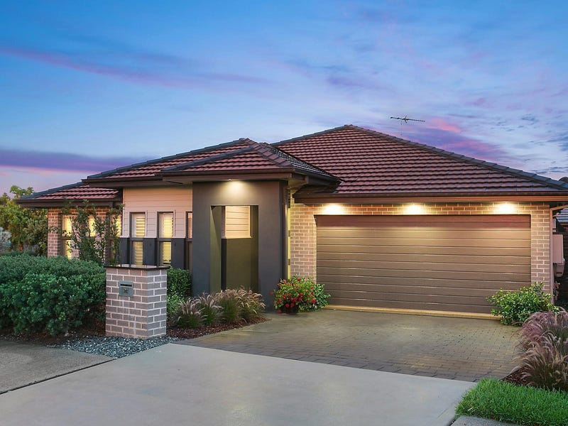 24 Wakely Avenue, The Ponds
