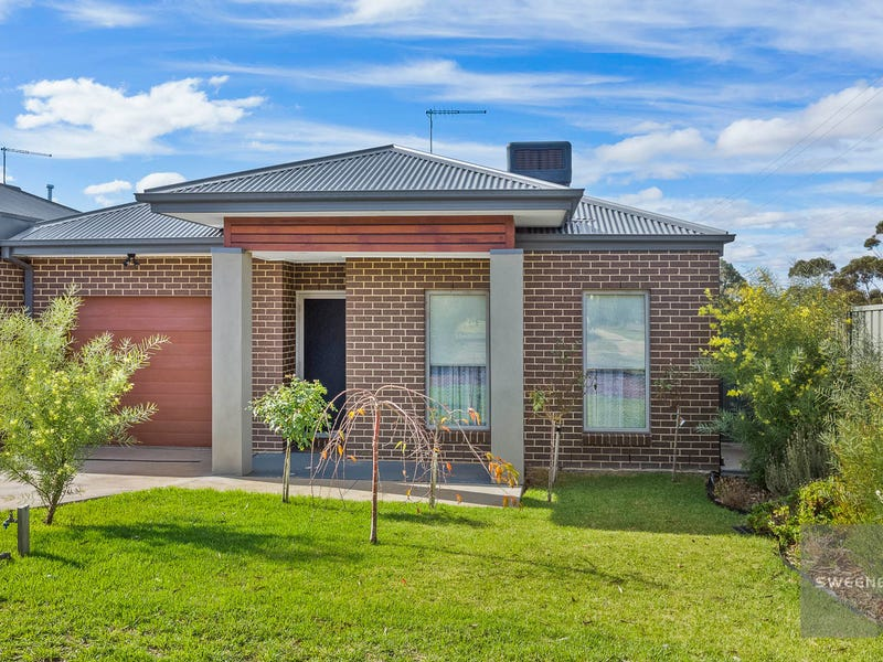 16 Moonglow Crescent, Maddingley, Vic 3340 - Property Details
