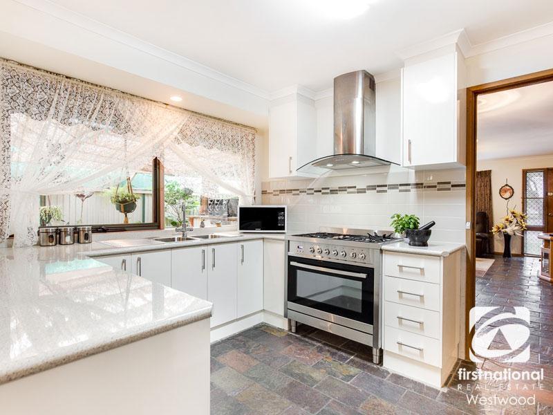 160 tarneit road werribee vic 3030 property details. Black Bedroom Furniture Sets. Home Design Ideas