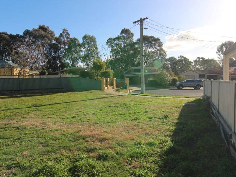 6 and 6a Hedley Court, White Hills