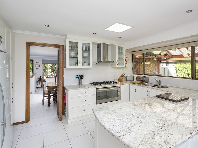 8 Snaefell Avenue, Happy Valley, SA 5159