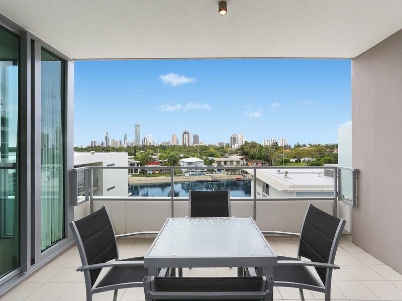 2402/33 T E Peters Drive, Broadbeach Waters