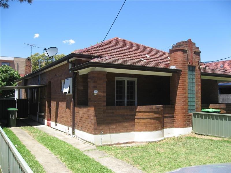 11 Edgbaston St, Beverly Hills, NSW 2209