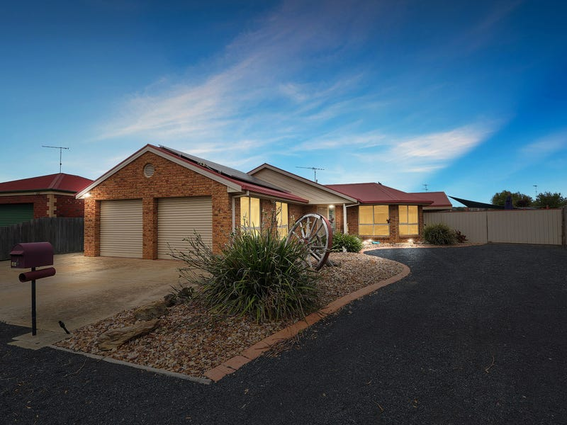 4 Cowan Court, Lovely Banks, Vic 3213