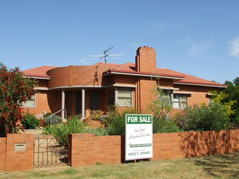 86 Lewis, Coolamon, NSW 2701