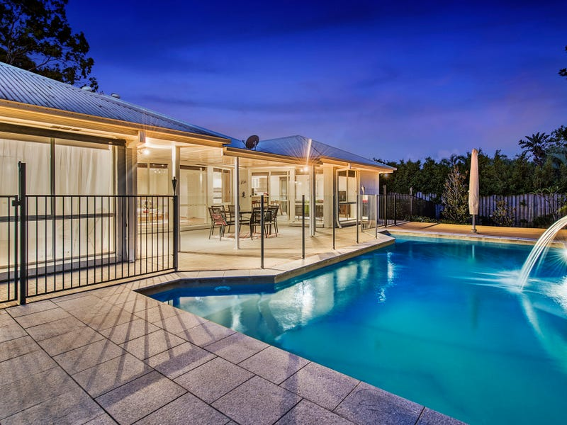 6 Stormvogel Court, Coomera Waters