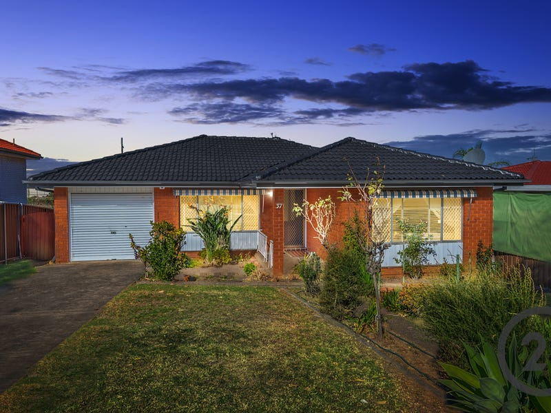 37 Birkdale Crescent, Liverpool, NSW 2170