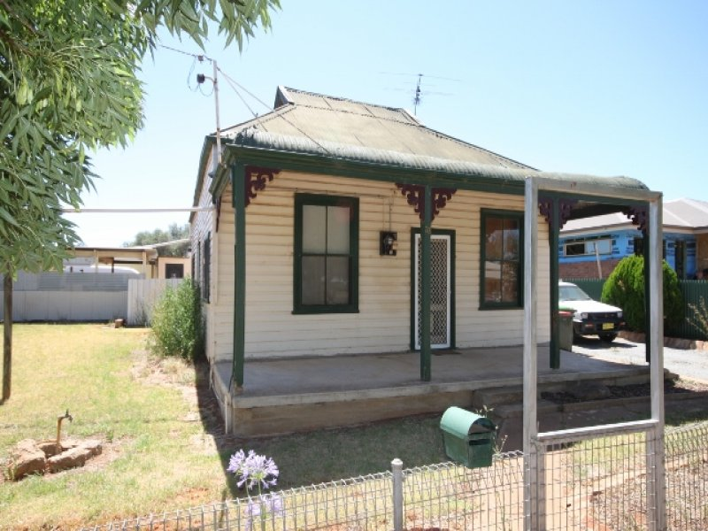 33 Mimosa Street, Coolamon, NSW 2701
