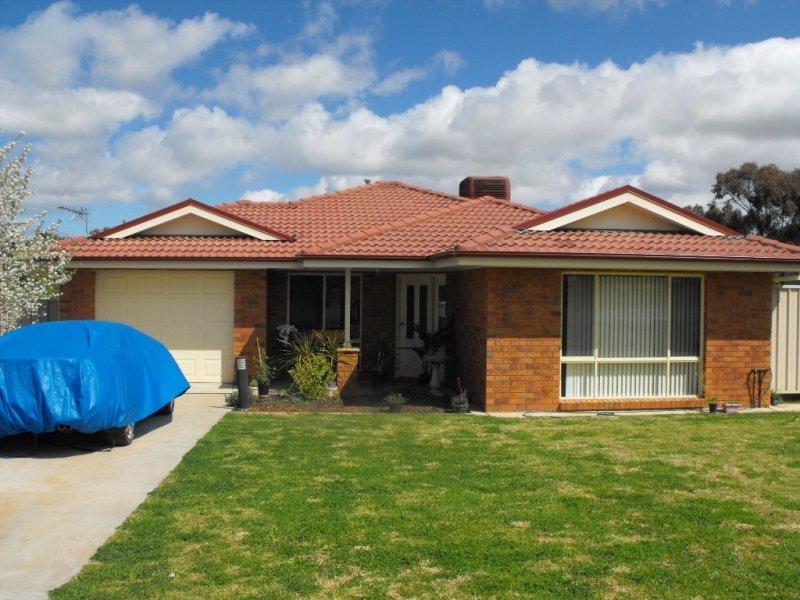 14 LEWIS STREET, Coolamon, NSW 2701