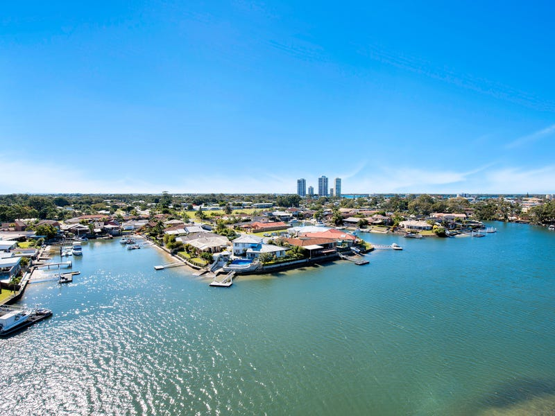1703/5 Harbour Side Court, Biggera Waters