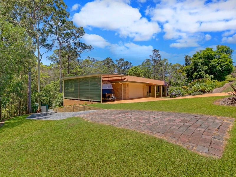 27 The Oval Drive, Mount Nathan