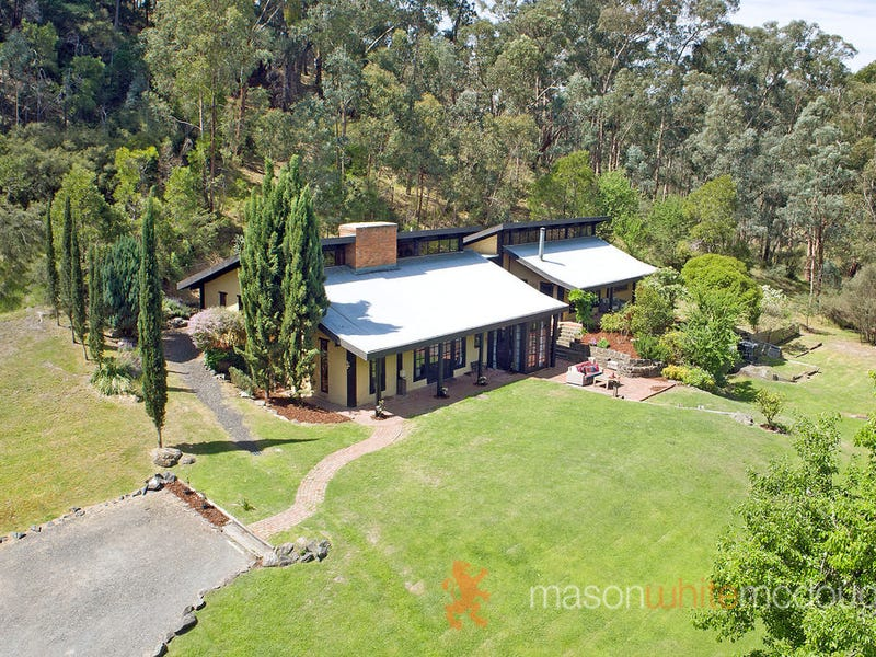 10 School Road, St Andrews, Vic 3761